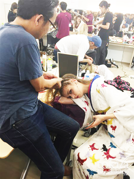 ファッション・ウィーク東京2015  YOSHIKIMONO ヨシキモノ メイベリンヘアメイクバックステージヘアスタイリング3
