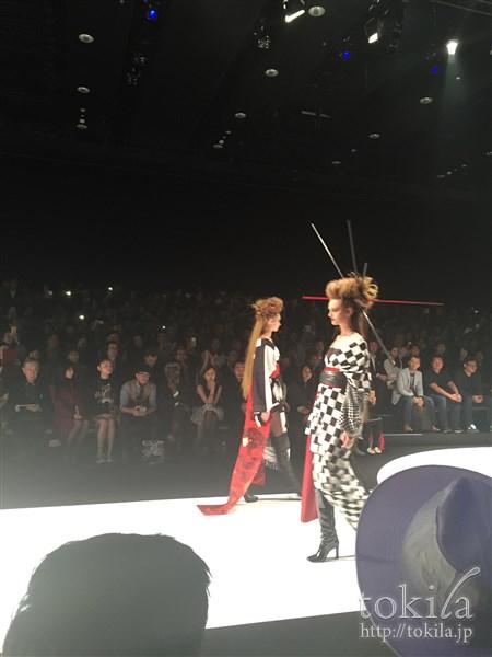 ファッション・ウィーク東京2015 メイベリンヘアメイクヨシキモノコレクション本番2