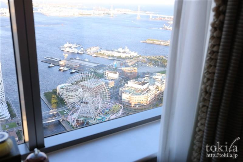 横浜ロイヤルパークホテル×SABONコラボレーション宿泊プランジュニアスイート窓辺