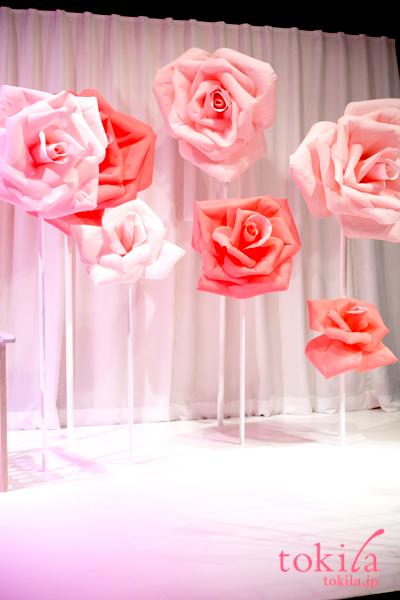メゾンランコム 表参道ヒルズ館内 ローズが咲き誇る朝の公園2