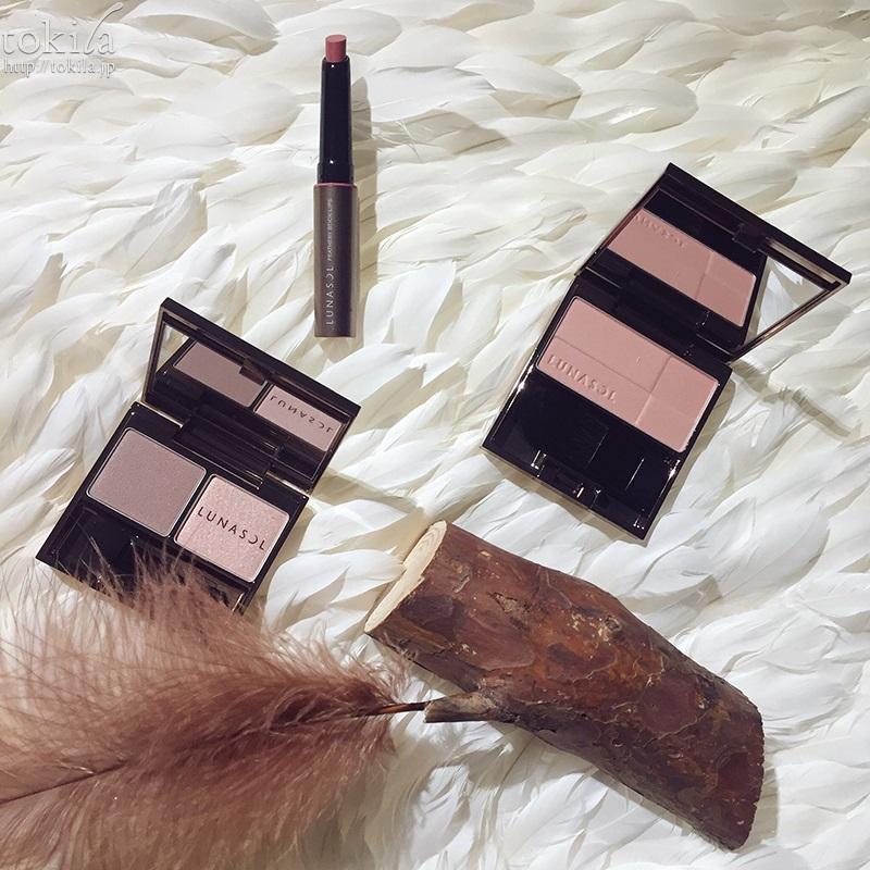 ルナソル Feathery ~つつみ込まれる世界~ フルグラマーリップス カラーリング シアーチークス 06 Natural Pink フェザリーニュアンスアイズ 01 Mauve Pink